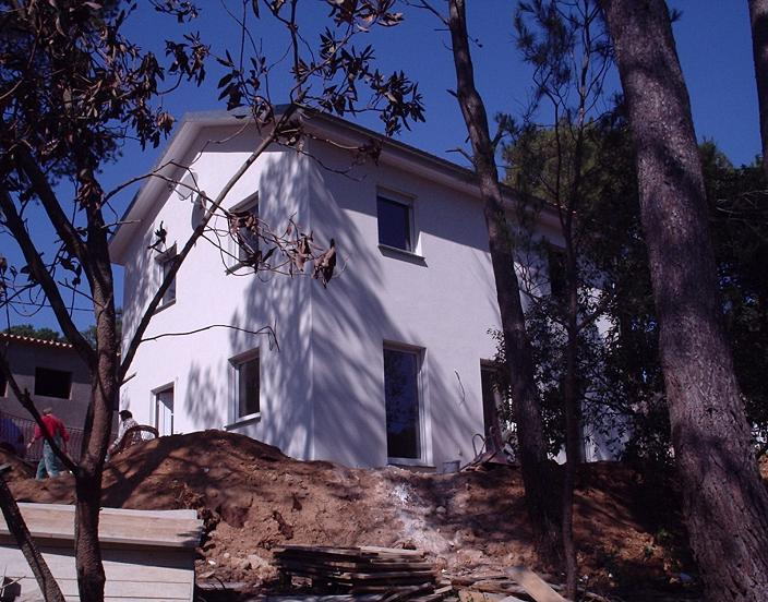lingens-prefabricated-single-family-house-tamariu-palafrugell-01