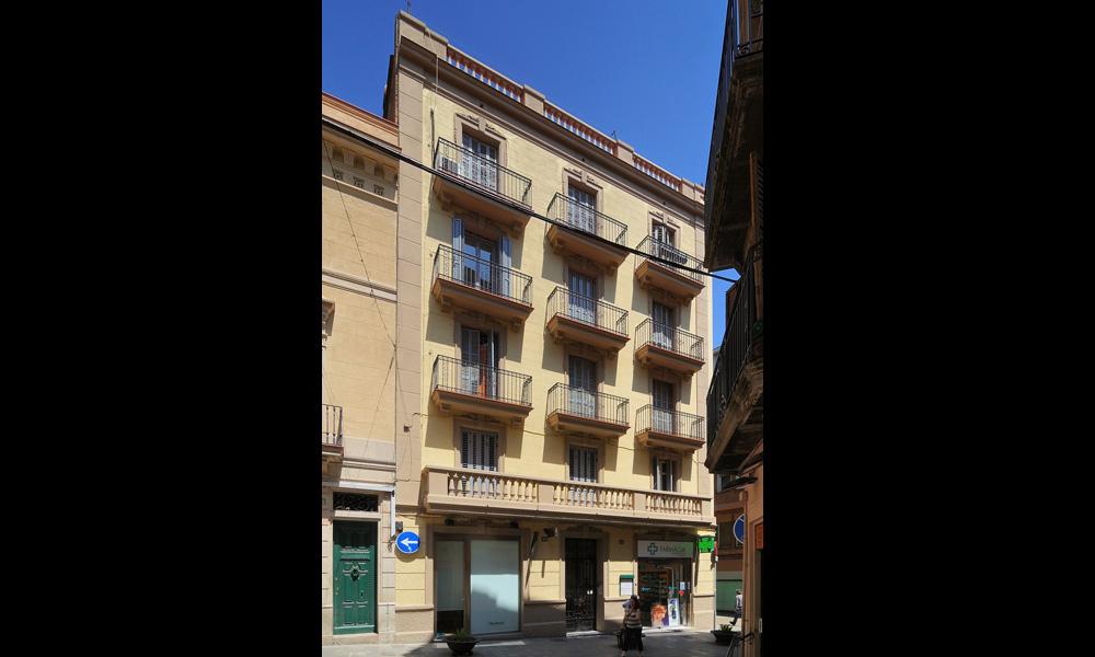 housing-building-rehabilitation-sarria-01
