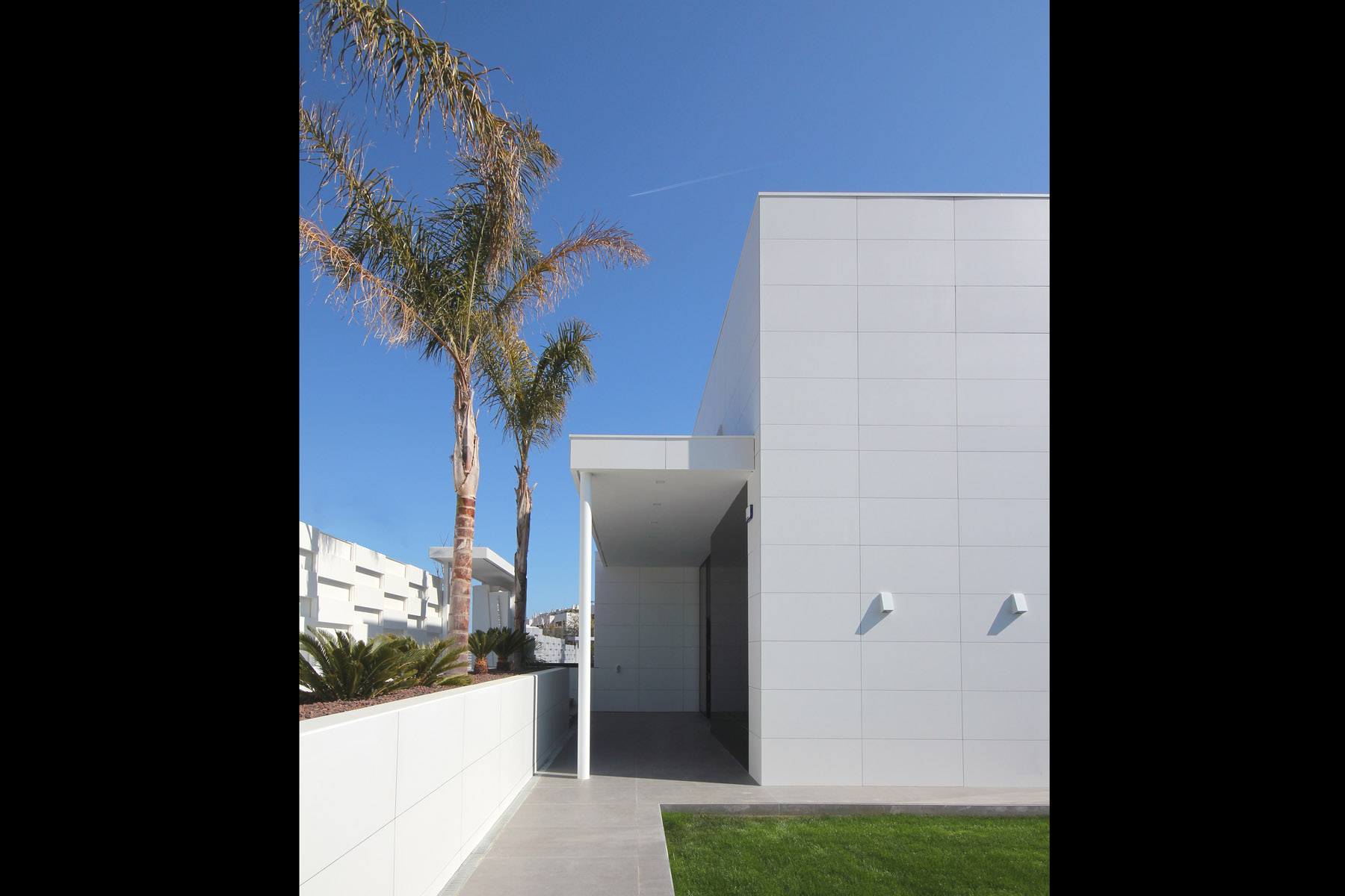 Single-family-house-in-la-plana-of-sitges-barcelona-01